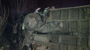 Accident cumplit lângă Timişoara. Un mort şi 3 răniţi, după ce o maşină a intrat într-un microbuz / Foto: opiniatimisoarei.ro