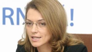 Gorghiu: Ponta îşi arogă prerogative care nu-i aparţin. Este surd când vine vorba de aplicarea legii