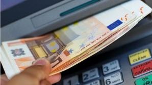 Se așteaptă ca euro să scadă în continuare
