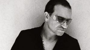 Bono(U2) ar putea sa nu mai cânte niciodată la chitară. Sursa foto: www.u2.com