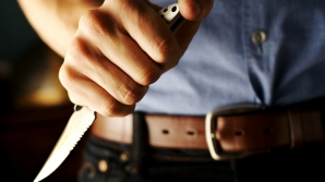 Galaţi: Două persoane reţinute în cazul uciderii unei femei cu 22 de lovituri de cuţit