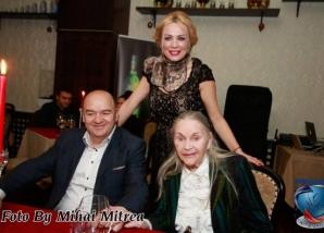 <p>Dana Săvuică şi Zina Dumitrescu</p>