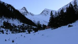RISC MARE de producere a avalanşelor în Munţii Făgăraş şi Bucegi