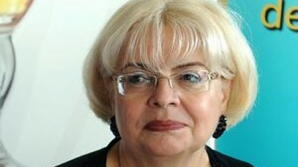 De ce este Irina Margareta Nistor tot timpul singură?
