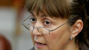 IOHANNIS, CRITICAT de MACOVEI: Oare vrea să spună să nu se mai ancheteze miniştri şi parlamentari?