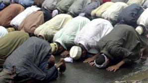 Lideri musulmani: Condamnăm în cei mai DURI termeni atentatele de la Paris