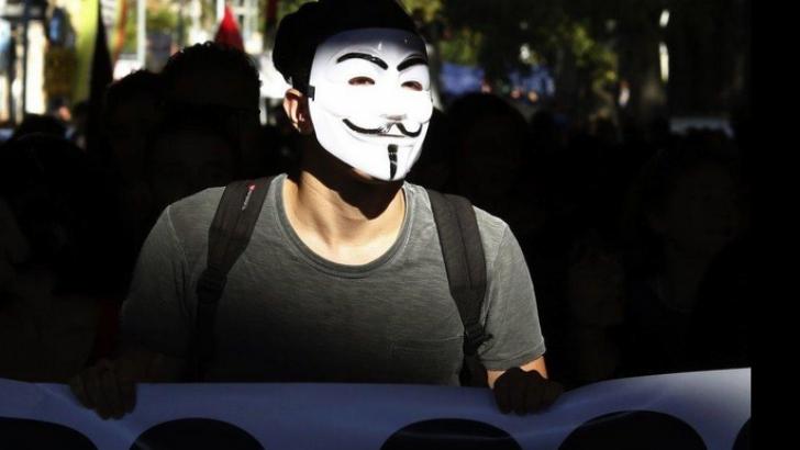 CHARLIE HEBDO. Anonymous amenință cu o REACŢIE MASIVĂ