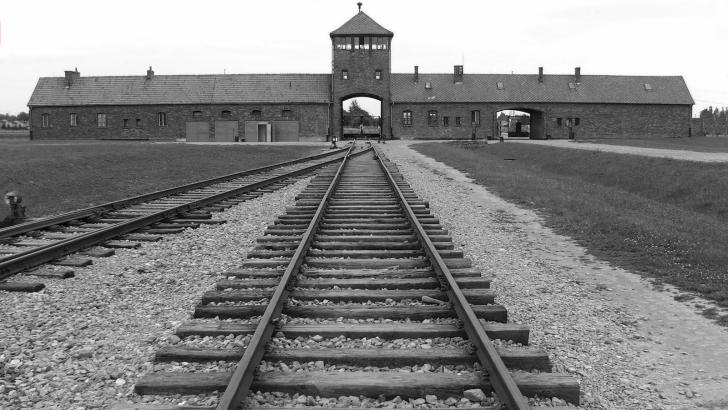 <p>Cum arata Auschwitz la 70 de ani de la eliberarea prizonierilor</p>