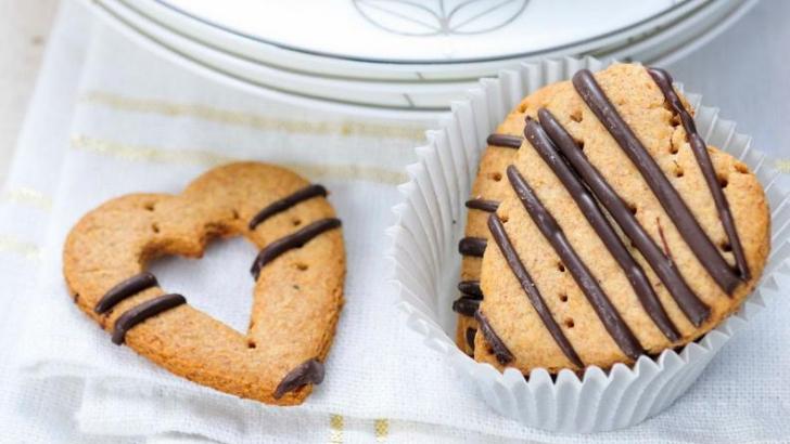 Ce este acrilamida şi cum ne afectează sănătate? Se găseşte în biscuiții, chipsurile şi cartofii