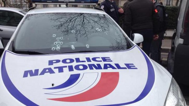 """ATAC ARMAT PARIS. Italia, """"în ALERTĂ maximă"""" după atentatul de la Charlie Hebdo"""