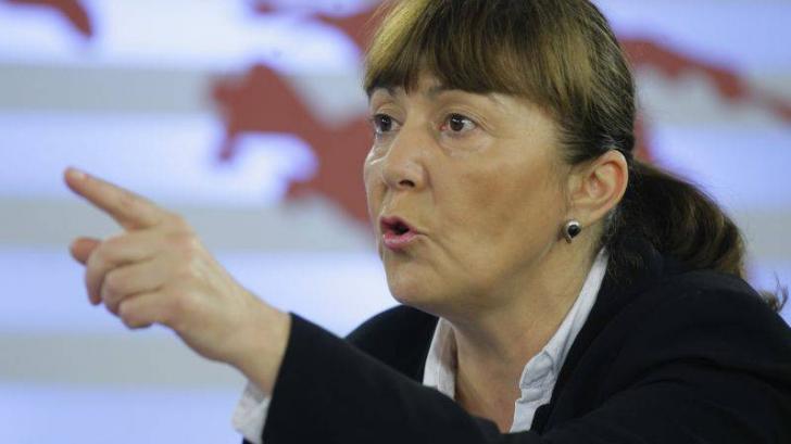 Macovei cere Baroului ca Ponta să fie exclus din avocatură