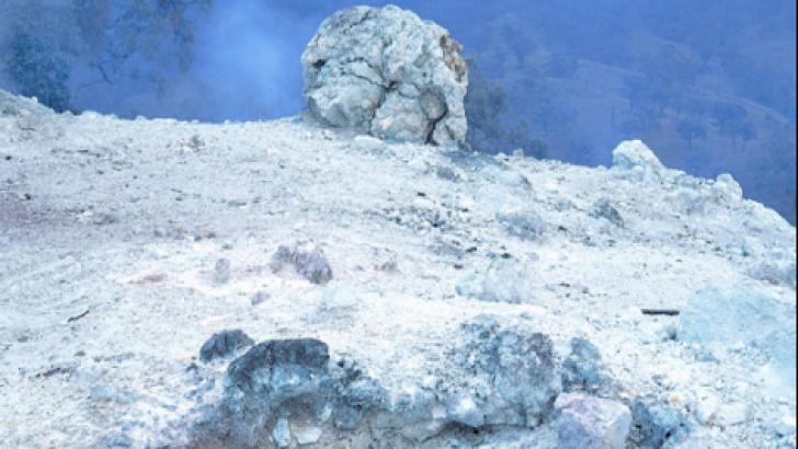 Focul care arde de peste 6.000 de ani. Este practic imposibil de stins