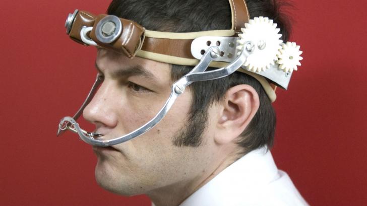 """Gadgetul """"de tortură"""" care îți zice câtă poluare ne omoară zilnic!"""