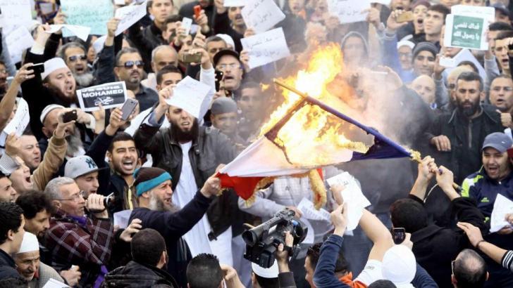 <p>Noi proteste în Pakistan împotriva Charlie Hebdo</p>