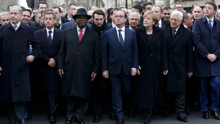 Benjamin Netanyahu (primul sin stânga) la marşul de la Paris