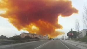 Alertă de poluare după o explozie în Barcelona. Un nor toxic ameninţă oraşul