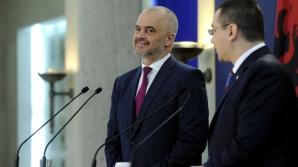Ponta, premierului albanez: La noi, culisele puterii sunt la televizor, nu trebuie să scriem cărți / Foto: gov.ro