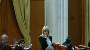 Ce spune Băsescu despre gestul misterios al Elenei Udrea, din Parlament