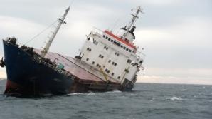 MAE: Românul aflat la bordul navei eşuate în Marea Egee a fost salvat. Starea de sănătate - bună