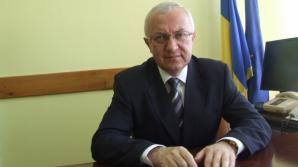 Iohannis l-a decorat pe chestorul Ioan Nicolae Cabulea, fost urmărit penal pentru abuz în serviciu