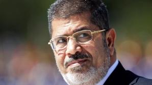 Fostul preşedinte egiptean Mohamed Morsi, deferit justiţiei militare