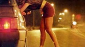 Galaţi: Percheziţii la membrii unei grupări care a racolat zeci de tinere pentru prostituţie