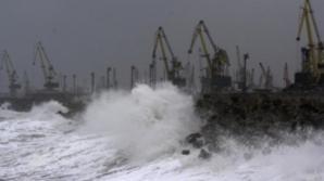 Toate porturile din Constanţa au fost închise
