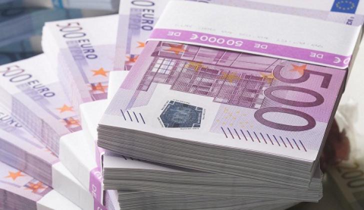 Salariul unui bancher de top a fost dezvăluit. Cât câştigă un director de la BCR