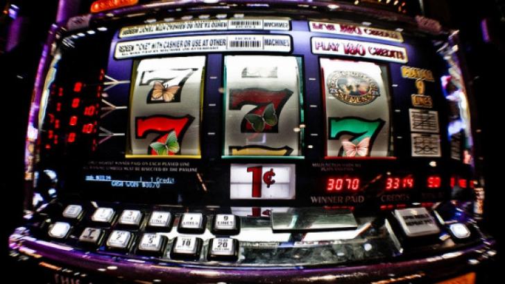 Jocurile slot machine, legale doar în cazinouri şi agenţii ale Loteriei Române