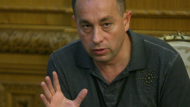 <p>Tolontan: Traian Băsescu a făcut, astăzi, un pas decisiv lângă Elena Udrea</p>