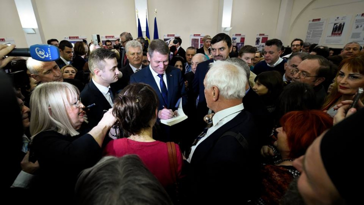 Klaus Iohanns, surprins de modul în care a fost primit de românii din Germania. Ce dar a primit
