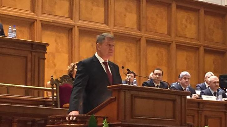Klaus Iohannis își va adresa luni, primul mesaj, în fața plenului reunit al Parlamentului