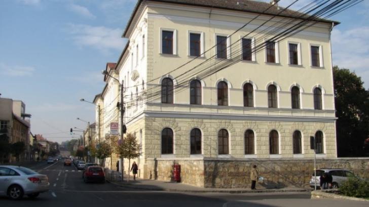 Deznodământ pentru elevii din Cluj care şi-au criticat pe Facebook profesorii: fără sancţiuni!