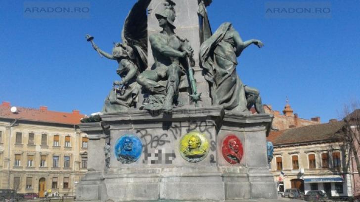 Statuia Libertăţii a fost vandalizată. Monumentul maghiar, vopsit în culorile drapelului românesc