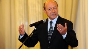Băsescu: Îmi pare rău pentru cele 127 familii din Nana care au sechestru pe terenuri