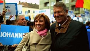Carmen Iohannis, alături de președinte