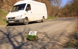 Protest inedit contra gropilor din asfalt. Nimeni nu-i credea în stare de aşa ceva! / Foto: adevarul.ro