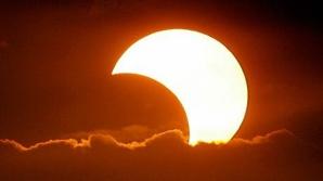 Eclipsă de soare. Cum alungăm de ghinionul adus de ziua de 13 şi de eclipsa de soare