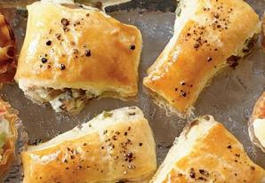 Pateuri cu ciuperci şi cremă de brânză