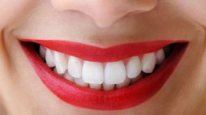 Cabinetul stomatologic te sperie? Iată câteva obiceiuri care îţi strică dinţii