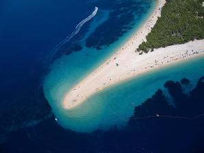 Zlatni Rat (Croaţia) - Este una dintre cele mai mari atracţii turistice din Croaţia, ceea ce nu ar trebuie să te mire deloc după ce priveşti această fotografie.