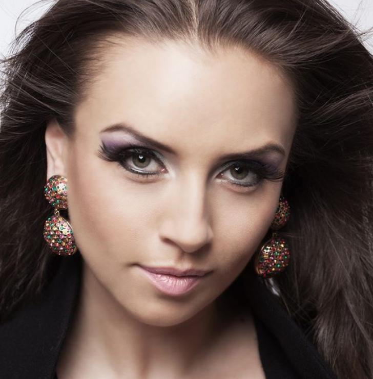 Adina Halas, prima asistentă TV din România, declaratii exclusive despre lansarea in televiziune