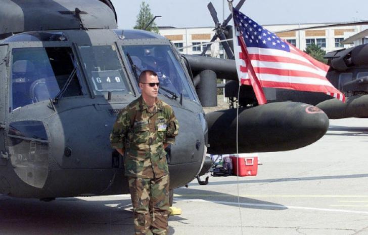 """Tot mai mulți oficiali americani """"aterizează"""" la București"""