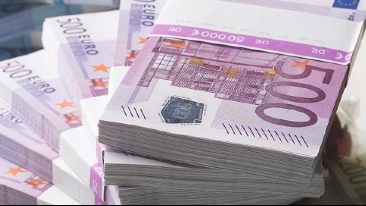 4.000 de români îşi ţin economiile în fonduri importate din Luxemburg