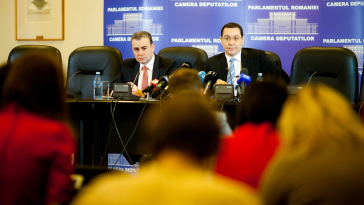 Darius Vâlcov a demisionat, anunţă Victor Ponta sursa: Inquam Photos / Ovidiu Micsik