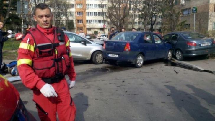 Accident rutier grav în Capitală: Patru persoane au fost rănite, două sunt în stare critică