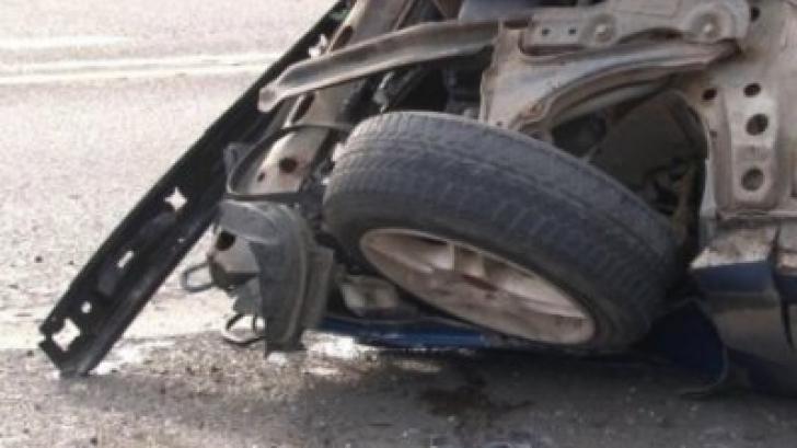 Accident grav în apropiere de Medgidia: maşină răsturnată după ce a derapat. Trei persoane, rănite