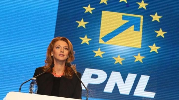 Alina Gorghiu îl contrazice pe Victor Ponta, pe tema alocației pentru copii