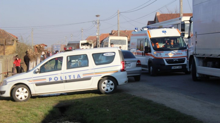 """17 raniți, după ce s-au ciocnit 2 autobuze Foto: <a href=""""http://www.satmareanul.ro"""">www.satmareanul.ro</a>"""