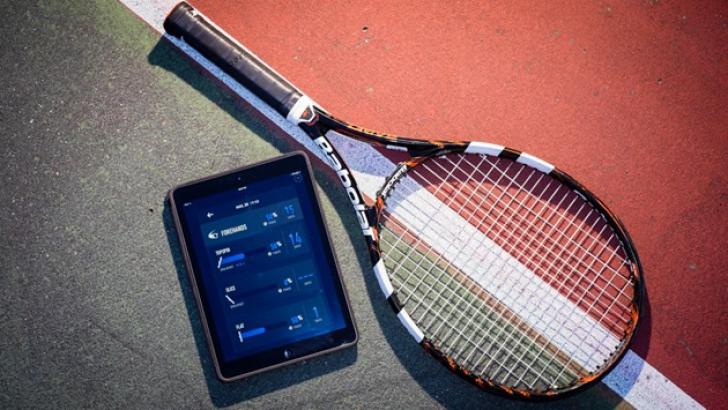 Vrei să joci tenis ca Simona Halep? Gadgetul care te transformă în profesionist